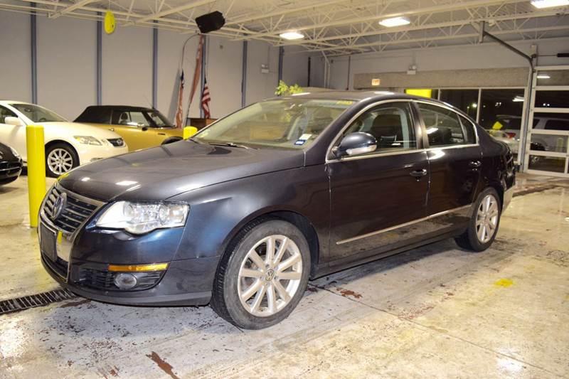 2006 Volkswagen Passat for sale at CRESTWOOD AUTO AUCTION in Crestwood IL