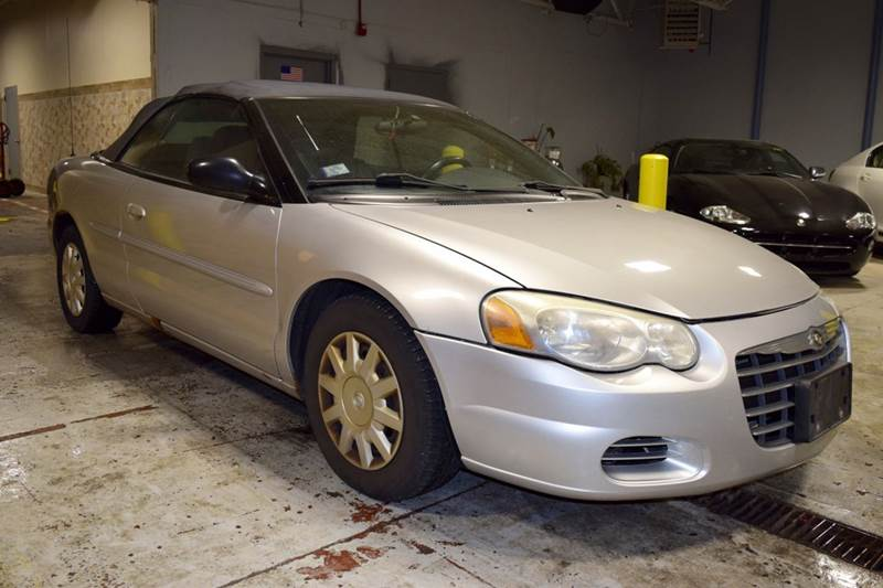 2004 Chrysler Sebring for sale at CRESTWOOD AUTO AUCTION in Crestwood IL