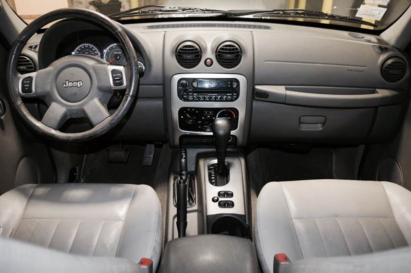 2005 Jeep Liberty for sale at CRESTWOOD AUTO AUCTION in Crestwood IL