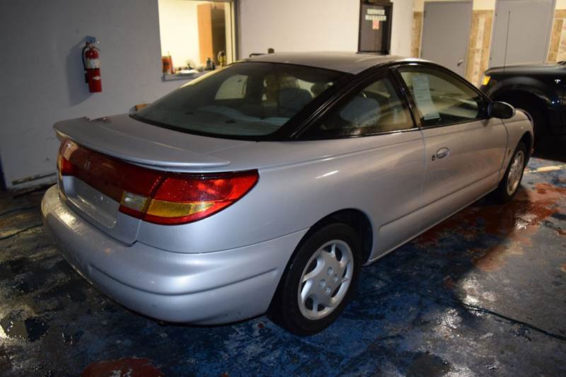 2000 Saturn S-Series for sale at CRESTWOOD AUTO AUCTION in Crestwood IL