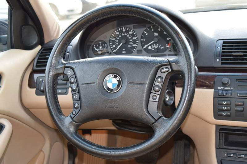 2005 BMW 3 Series for sale at CRESTWOOD AUTO AUCTION in Crestwood IL