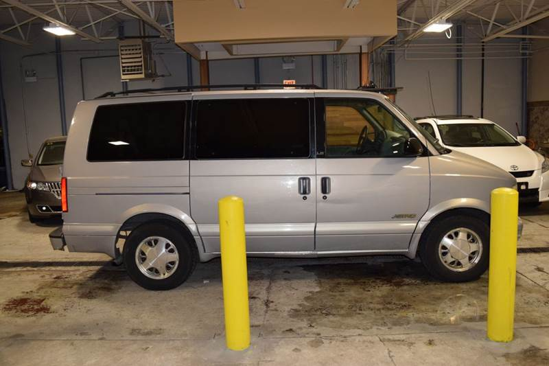 2000 Chevrolet Astro for sale at CRESTWOOD AUTO AUCTION in Crestwood IL
