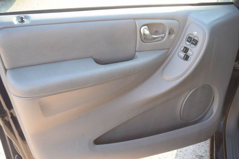 2004 Dodge Grand Caravan for sale at CRESTWOOD AUTO AUCTION in Crestwood IL