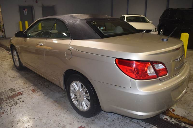 2008 Chrysler Sebring for sale at CRESTWOOD AUTO AUCTION in Crestwood IL