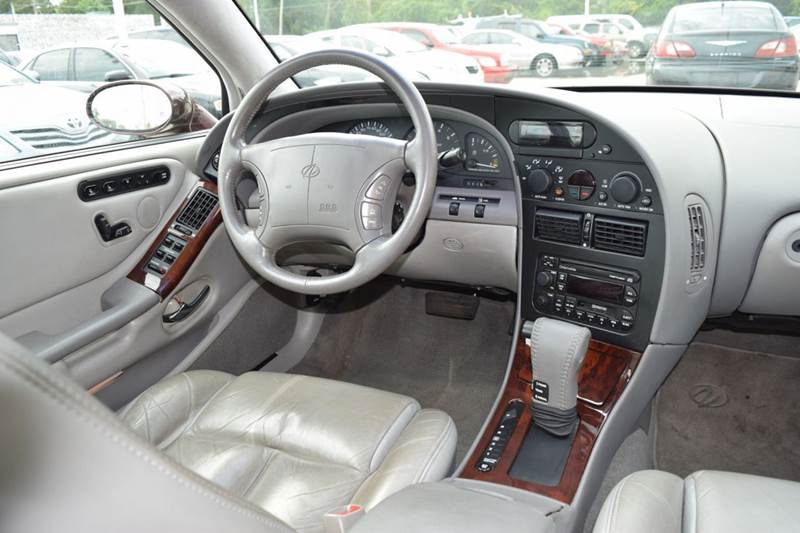 1999 Oldsmobile Aurora for sale at CRESTWOOD AUTO AUCTION in Crestwood IL