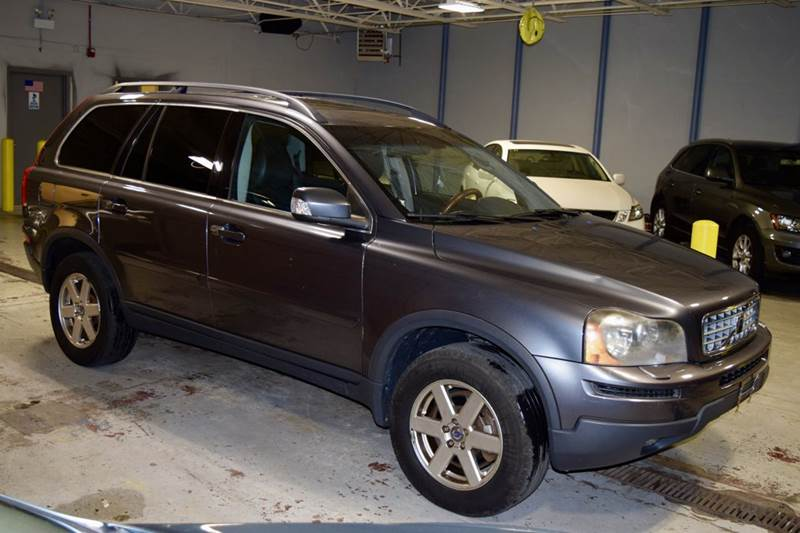 2007 Volvo XC90 for sale at CRESTWOOD AUTO AUCTION in Crestwood IL