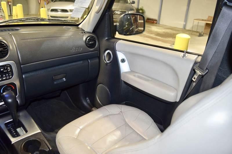 2002 Jeep Liberty for sale at CRESTWOOD AUTO AUCTION in Crestwood IL