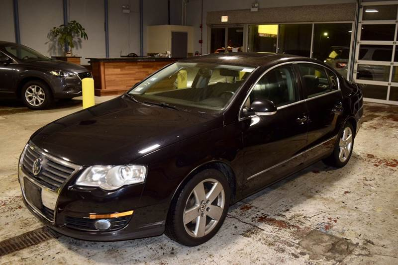 2009 Volkswagen Passat for sale at CRESTWOOD AUTO AUCTION in Crestwood IL