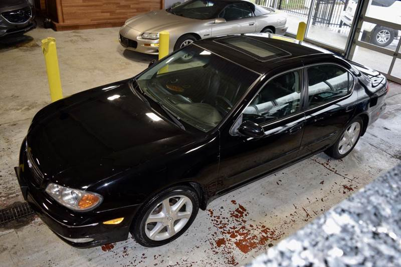 2002 Infiniti I35 for sale at CRESTWOOD AUTO AUCTION in Crestwood IL