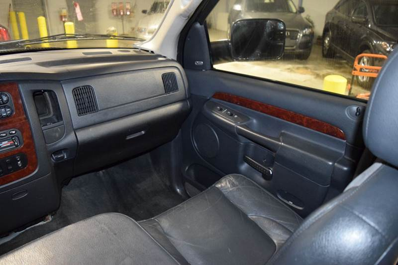 2003 Dodge Ram Pickup 2500 for sale at CRESTWOOD AUTO AUCTION in Crestwood IL