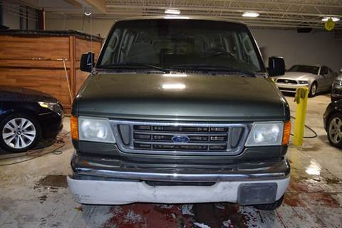 2003 Ford E-Series Wagon for sale in Crestwood, IL