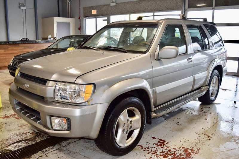 2001 Infiniti QX4 for sale at CRESTWOOD AUTO AUCTION in Crestwood IL