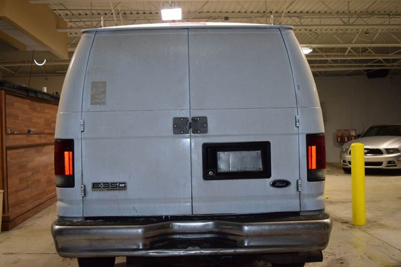 2007 Ford E-Series Cargo for sale at CRESTWOOD AUTO AUCTION in Crestwood IL