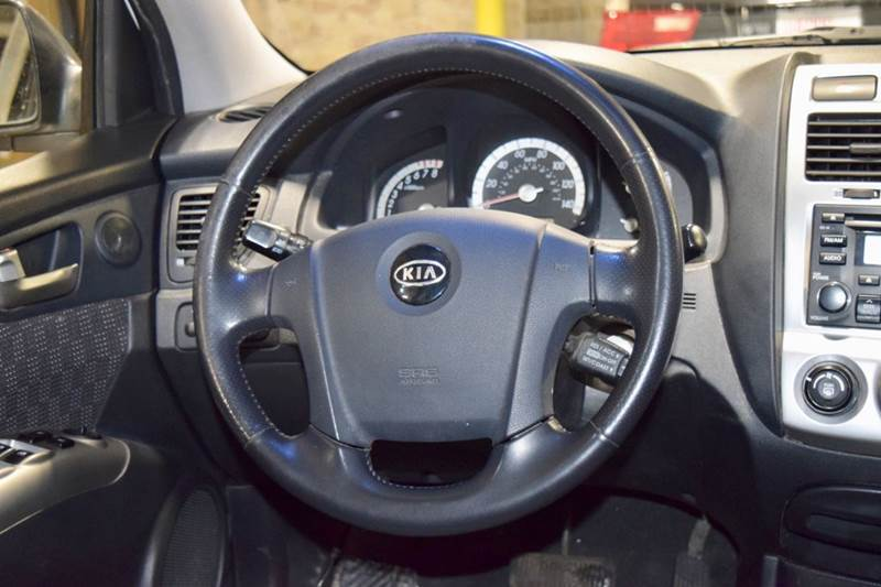 2006 Kia Sportage for sale at CRESTWOOD AUTO AUCTION in Crestwood IL