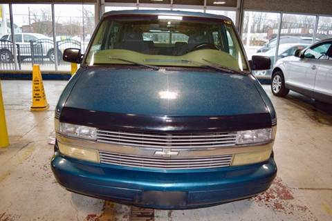 1998 Chevrolet Astro for sale in Crestwood, IL