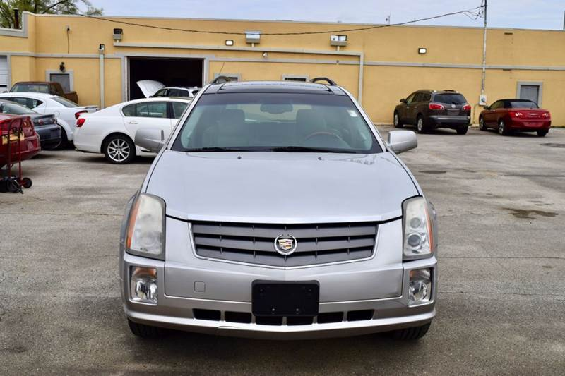 2004 Cadillac SRX for sale at CRESTWOOD AUTO AUCTION in Crestwood IL