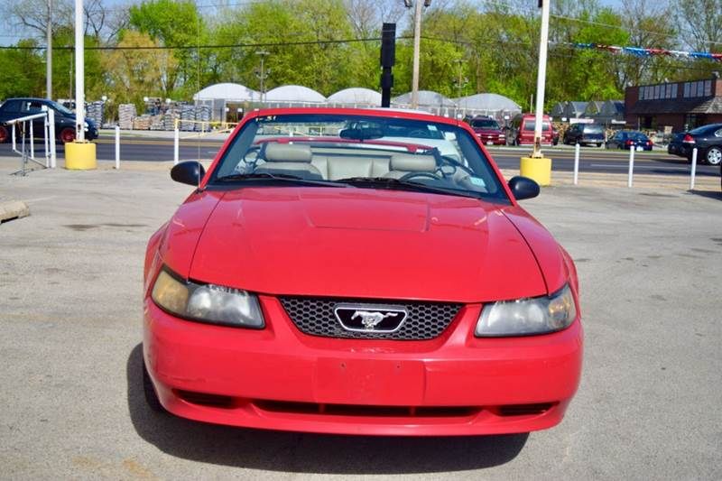 2004 Ford Mustang for sale at CRESTWOOD AUTO AUCTION in Crestwood IL