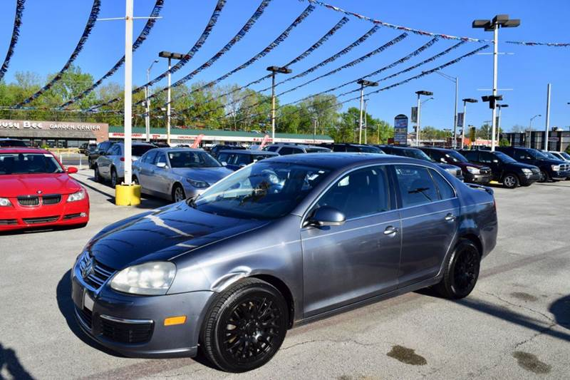 2006 Volkswagen Jetta for sale at CRESTWOOD AUTO AUCTION in Crestwood IL