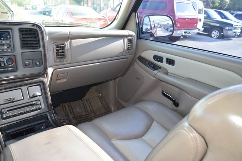 2003 GMC Yukon XL for sale at CRESTWOOD AUTO AUCTION in Crestwood IL