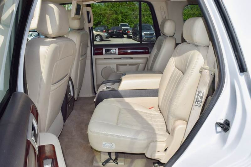 2003 Lincoln Navigator for sale at CRESTWOOD AUTO AUCTION in Crestwood IL