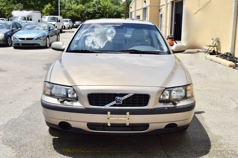 2002 Volvo S60 for sale at CRESTWOOD AUTO AUCTION in Crestwood IL