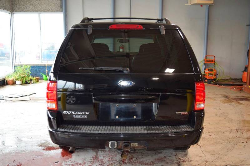 2005 Ford Explorer for sale at CRESTWOOD AUTO AUCTION in Crestwood IL