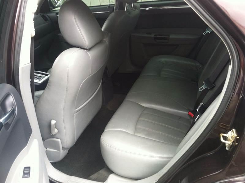 2005 Chrysler 300 C 4dr Sedan - Indianapolis IN