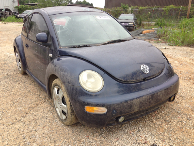 2000 Volkswagen New Beetle for sale at ASAP Car Parts in Charlotte NC