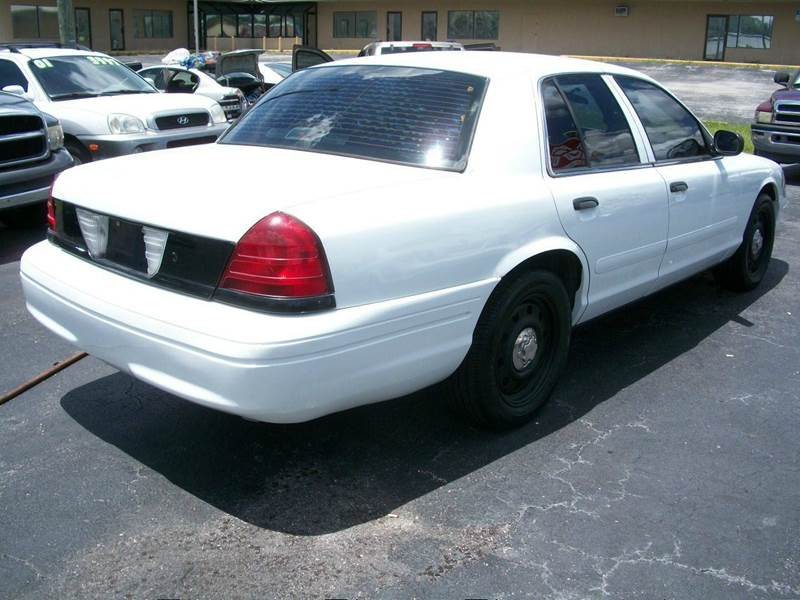 2006 Ford Crown Victoria Police Interceptor w/Street Appearance ...