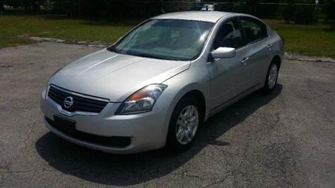 2009 Nissan Altima for sale at GOLDEN GATE AUTOMOTIVE,LLC in Zephyrhills FL