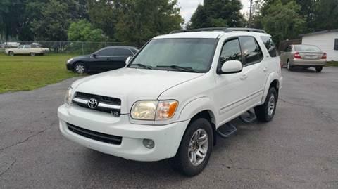 2005 Toyota Sequoia for sale at GOLDEN GATE AUTOMOTIVE,LLC in Zephyrhills FL