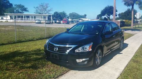 2013 Nissan Altima for sale at GOLDEN GATE AUTOMOTIVE,LLC in Zephyrhills FL