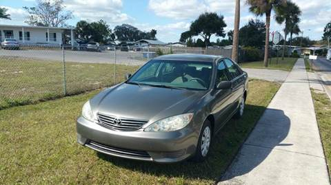 2005 Toyota Camry for sale at GOLDEN GATE AUTOMOTIVE,LLC in Zephyrhills FL