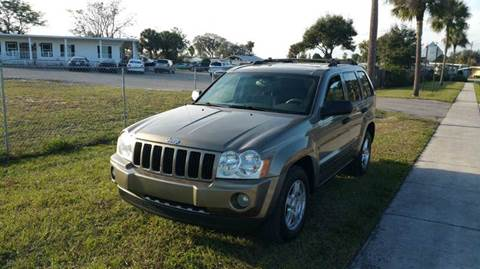 2005 Jeep Grand Cherokee for sale at GOLDEN GATE AUTOMOTIVE,LLC in Zephyrhills FL