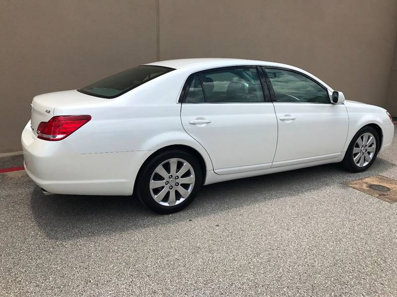 2006 Toyota Avalon for sale at Austin Elite Motors in Austin TX