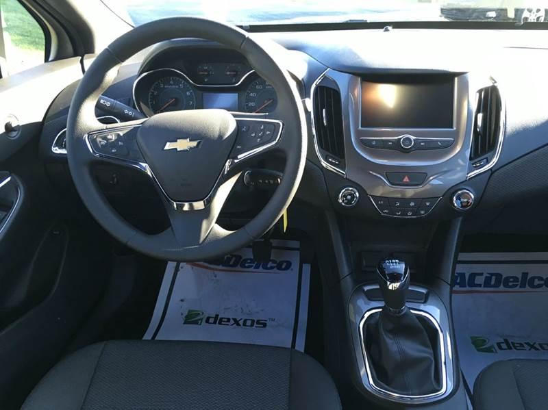 2017 Chevrolet Cruze LT Manual 4dr Sedan w/1SC - Manistee MI