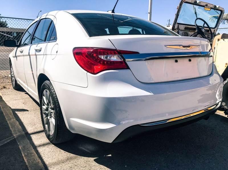 2013 Chrysler 200 LX 4dr Sedan - Las Vegas NV