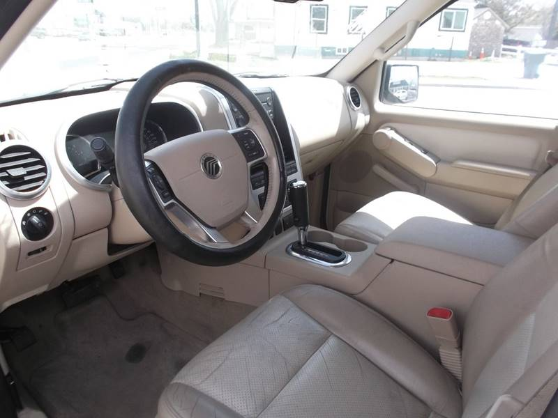 2006 Mercury Mountaineer AWD Luxury 4dr SUV w/4.6L V8 - Grand Junction CO