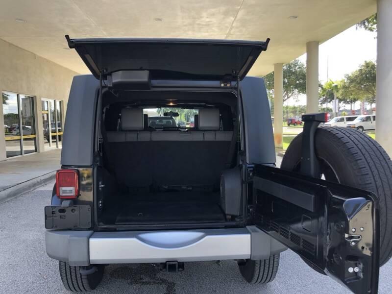 2009 Jeep Wrangler Unlimited 4x4 Sahara 4dr SUV - Davie FL