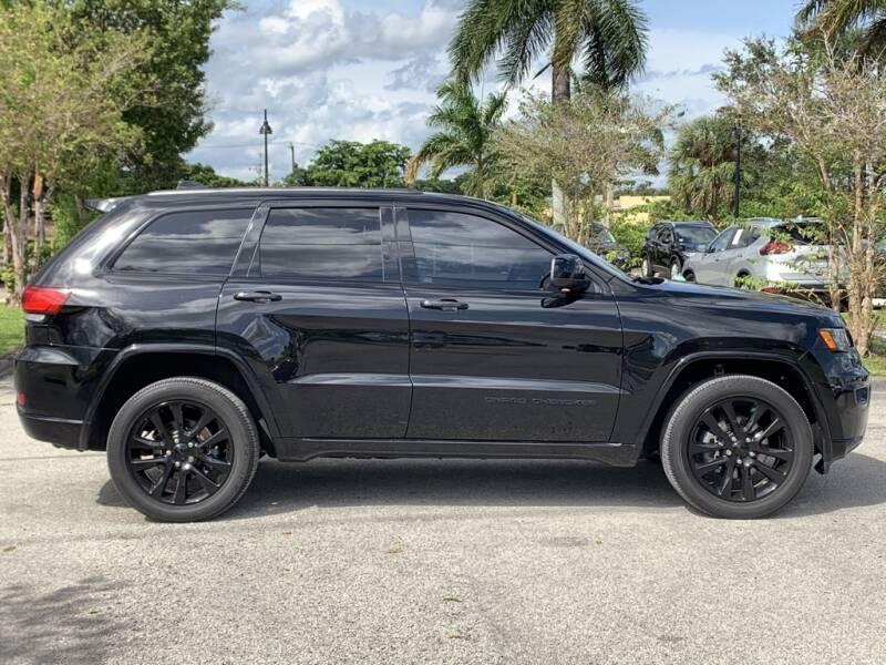 2017 Jeep Grand Cherokee 4x4 Altitude 4dr SUV - Davie FL