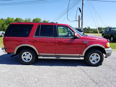 2001 Ford Expedition for sale at CAR-MART AUTO SALES in Maryville TN