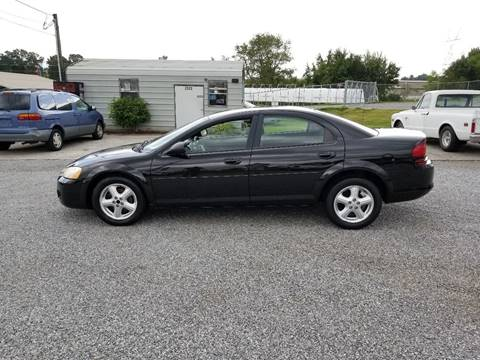 2004 Dodge Stratus for sale at CAR-MART AUTO SALES in Maryville TN