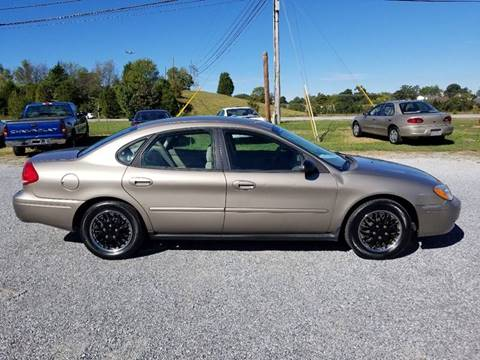 2007 Ford Taurus for sale at CAR-MART AUTO SALES in Maryville TN