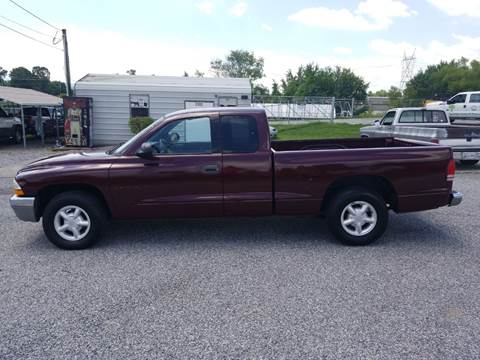 2000 Dodge Dakota for sale at CAR-MART AUTO SALES in Maryville TN