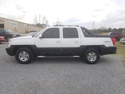 2003 Chevrolet Avalanche for sale at CAR-MART AUTO SALES in Maryville TN