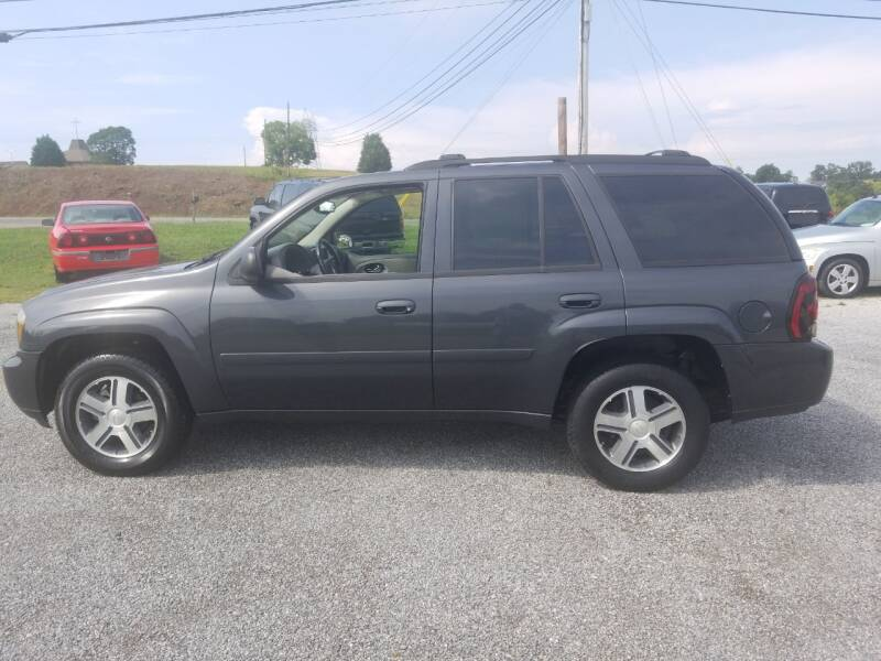 2007 Chevrolet TrailBlazer for sale at CAR-MART AUTO SALES in Maryville TN