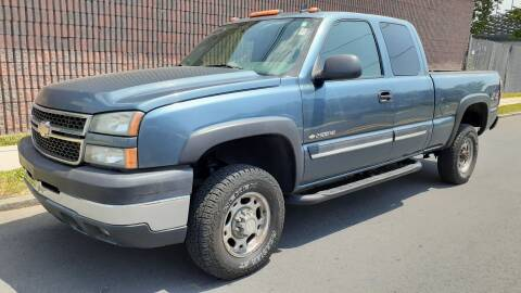 2006 Chevrolet Silverado 2500HD for sale at G1 AUTO SALES II in Elizabeth NJ