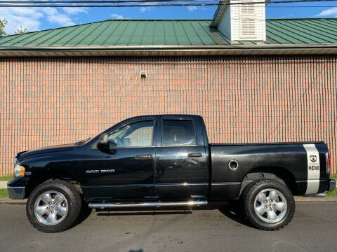 2004 Dodge Ram Pickup 1500 for sale at G1 AUTO SALES II in Elizabeth NJ