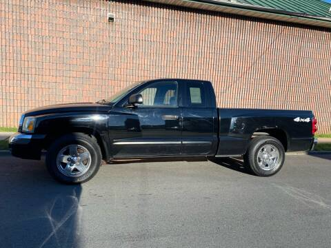 2005 Dodge Dakota for sale at G1 AUTO SALES II in Elizabeth NJ