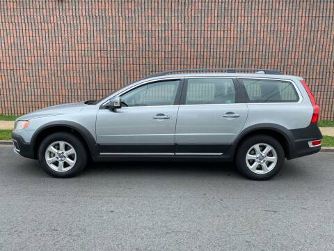 2010 Volvo XC70 for sale at G1 AUTO SALES II in Elizabeth NJ